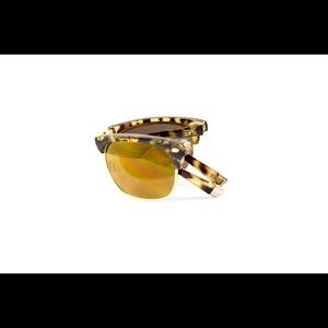 Unisex Brownline Sunglasses in tortoise